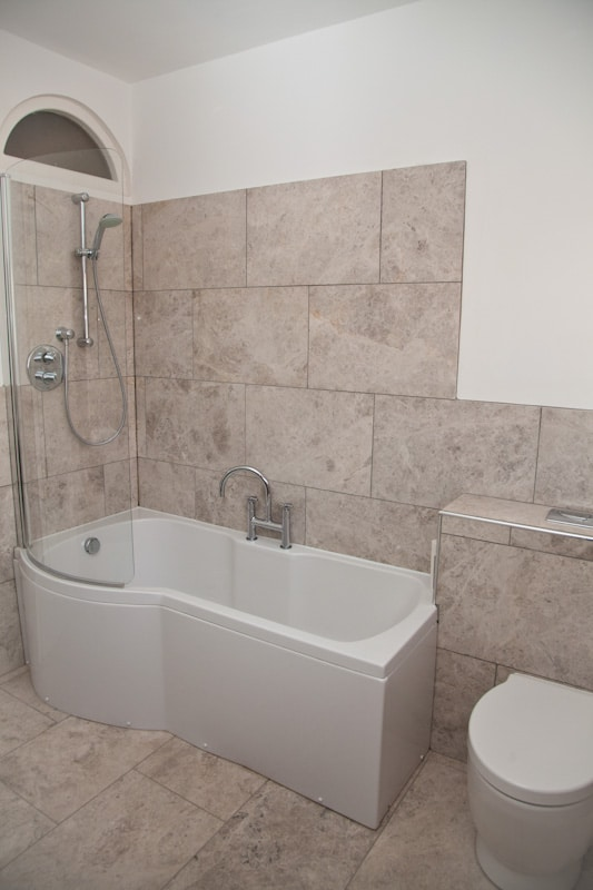 Didsbury Fitted Bathrom With Twin Sinks View 1
